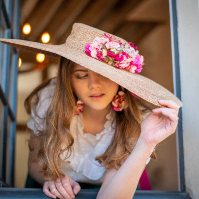 Vincennes doré, chapeaux, hat, chapeau, Vincennes, les petites mésanges, mariage, wedding, accessoires, fleurs, fleurs stabilisées, fontainebleau, paille, straw hat, chantilly, terra-cotta, chantilly naturel, hortensias,